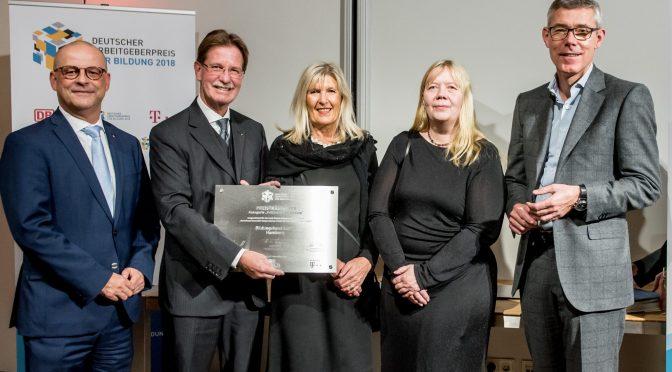 Ausgezeichnet!  Bildungshaus Lurup erhält Deutschen Arbeitgeberpreis 2018